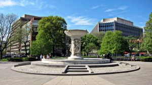 Dupont_Circle_fountain_-_facing_southwest